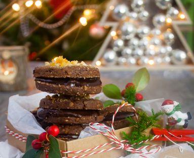 Ciastka krokantowe z kremem czekoladowo-nugatowym
