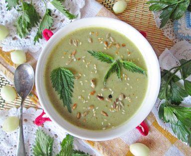 Zupa krem z kalafiora, pora i pokrzywy