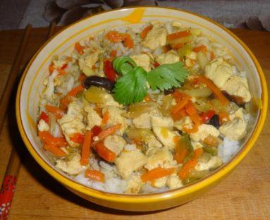 Kurczak po chińsku z warzywami.