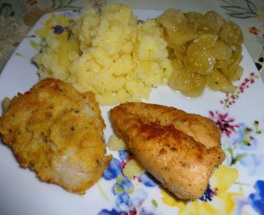 Smażony filet z dorsza,  ziemniaki i mizeria