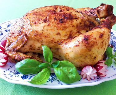 Pieczony kurczak faszerowany wątróbką i schabem z nutą natki pietruszki