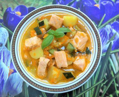 Zupa cukiniowa z łososiem