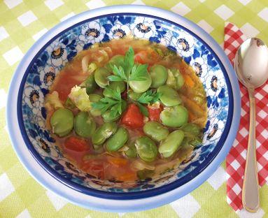 Zupa minestrone z bobem