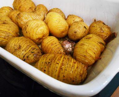 Ziemniaki z rozmarynem i czosnkiem z piekarnika