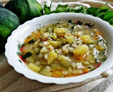 Zupa jarzynowa z kaszą i patisonem