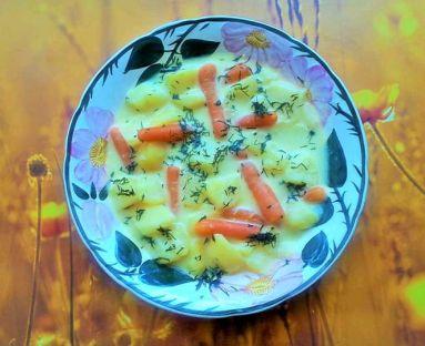 Zupa ziemniaczana z mrożoną marchewką i serkiem