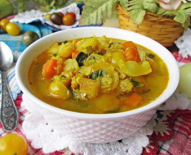 Zupa z soczewicą i pomidorkami