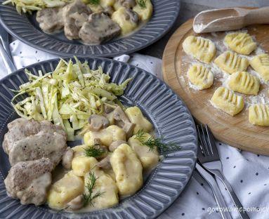 Polędwiczki wieprzowe z pieczarkami i gnocchi