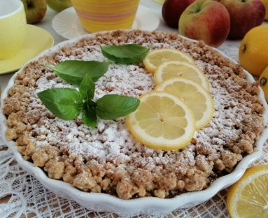 Aromatyczne crumble z jabłkami i rodzynkami