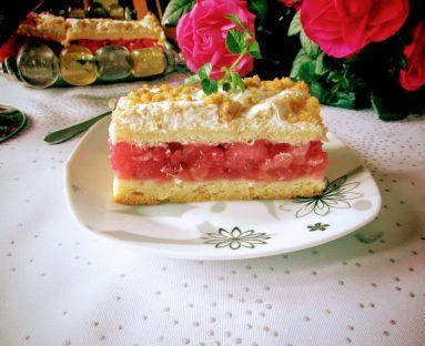 pleśniak z czerwonymi porzeczkami  ciasto