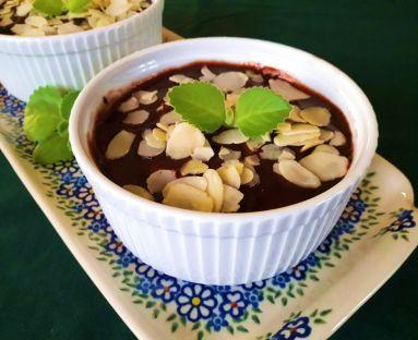 Manna czekoldowa, waniliowa ze śliwką w płatkach migdałowych