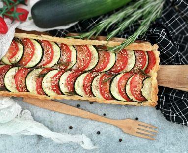 Ciasto cukiniowo - pomidorowe z rozmarynem