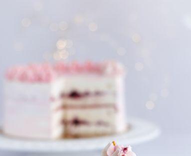 Lodowy tort bezowy