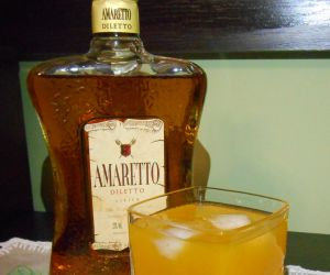 Drink amaretto