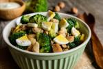 Sałatka z brokułem - 15 przepisów