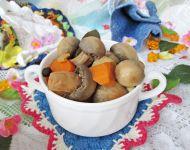Pieczarki w warzywnej marynacie