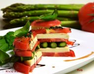 """Kanapka"" pomidorowo – szparagowa z mozzarelą"