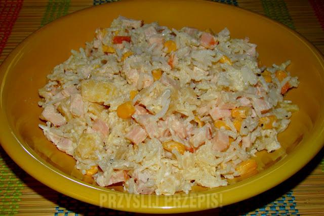 Salatka Z Kurczakiem Ryzem I Ananasem