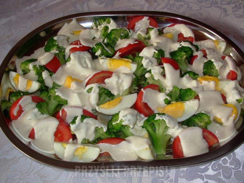 Salatka Z Brokulami I Jajkiem Przyslijprzepis Pl