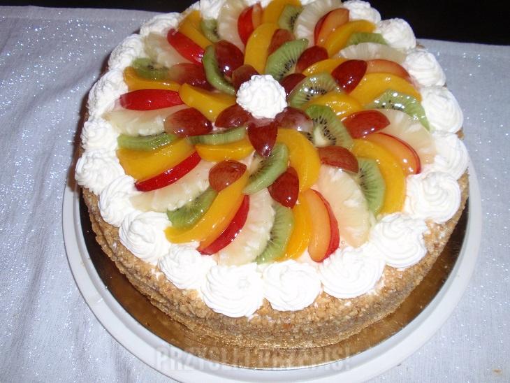 Tort Smietanowy Z Owocami