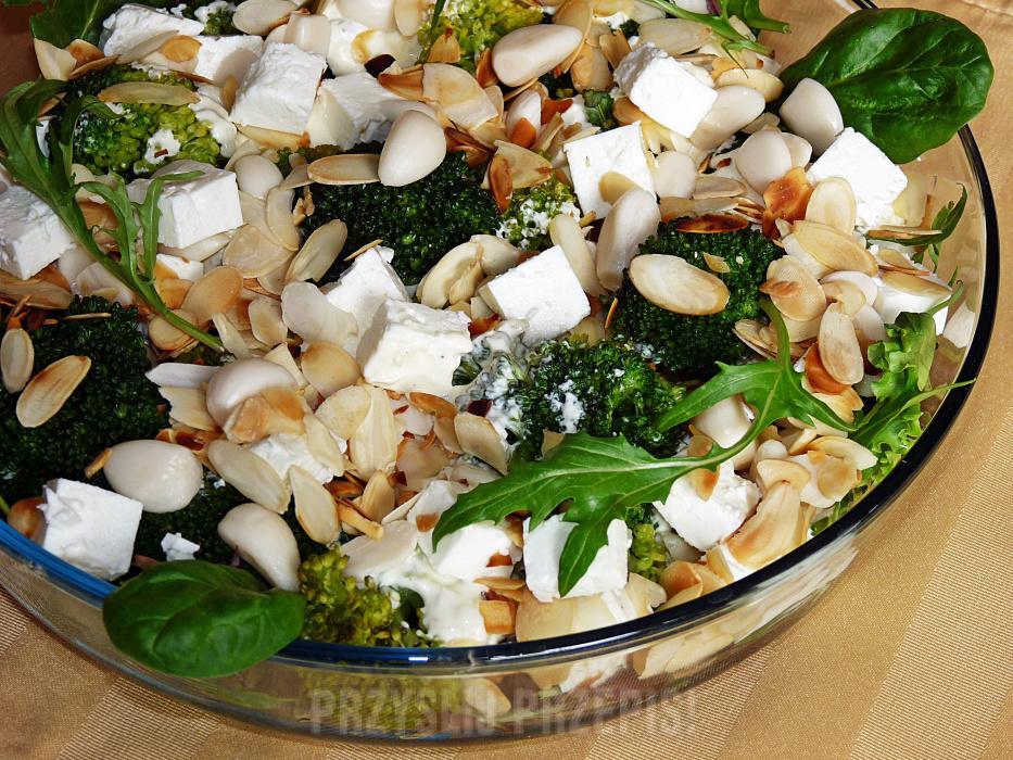 Jak zrobić sałatkę brokułową z czosnkiem