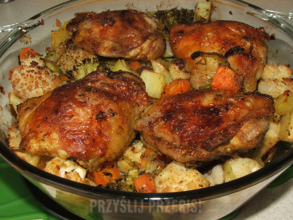 Udka Kurczaka Zapiekane Z Warzywami