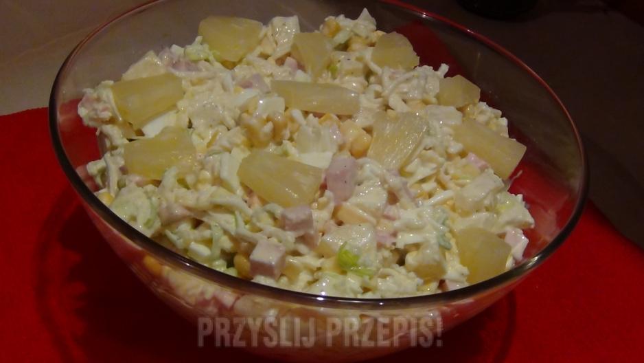 Salatka Z Ananasem I Selerem Konserwowym Przyslijprzepis Pl