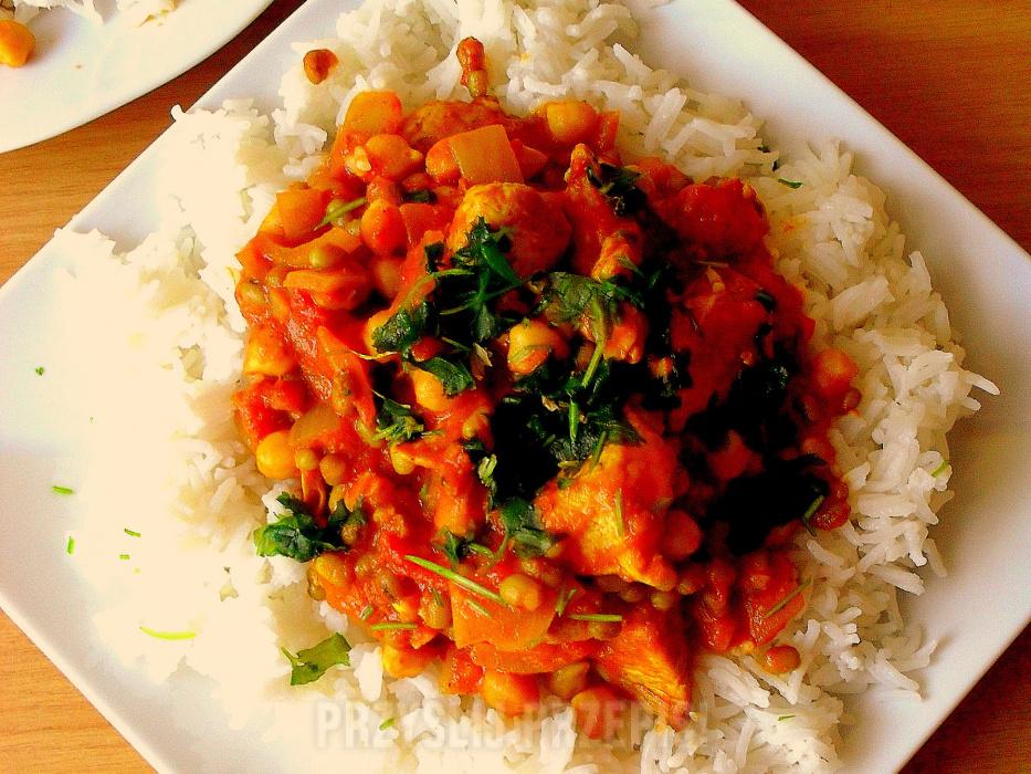 Indyjska Potrawka Z Kurczaka I Fasoli Mung Przyslijprzepis Pl