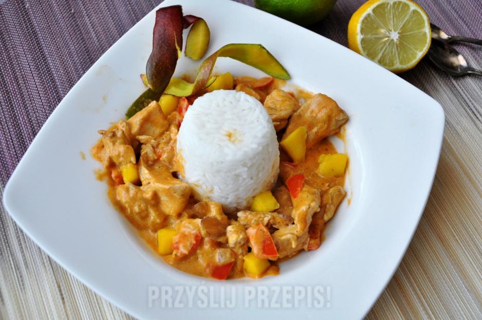 Kurczak Na Sposob Tajski Z Mango I Mlekiem Kokosowym