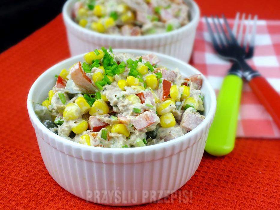 Salatka Z Tunczyka Z Kukurydza I Papryka Przyslijprzepis Pl