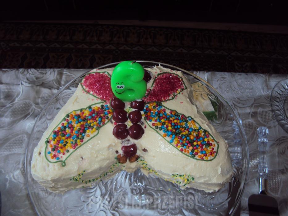 dc98d017c52207 Tort motylek z kremem mlecznym - PrzyslijPrzepis.pl