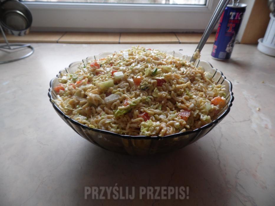 Salatka Z Zupek Chinskich I Kurczakiem Przyslijprzepis Pl