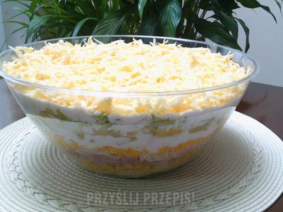 Salatka Warstwowa Z Szynka Ananasem I Selerem Przyslijprzepis Pl