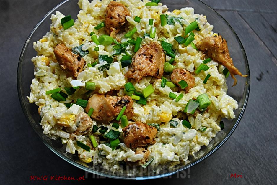 Ryzowa Salatka Z Kurczakiem I Ananasem