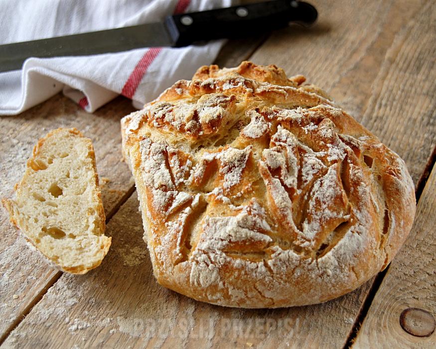 Chleb pszenny bez wyrabiania (z garnka)