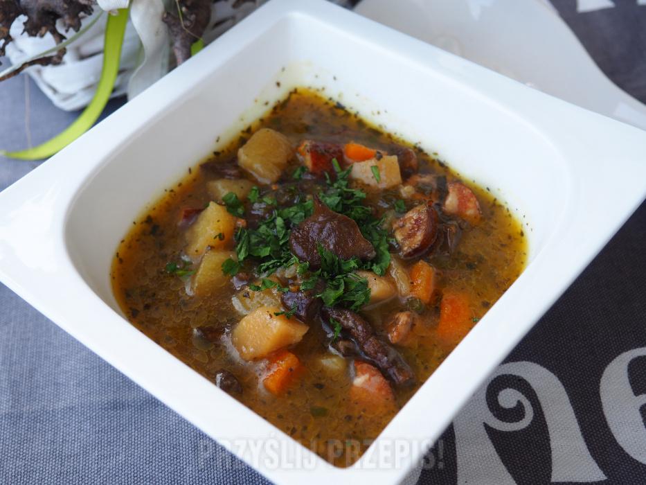 Zupa Grzybowa Z Wedzona Kielbasa