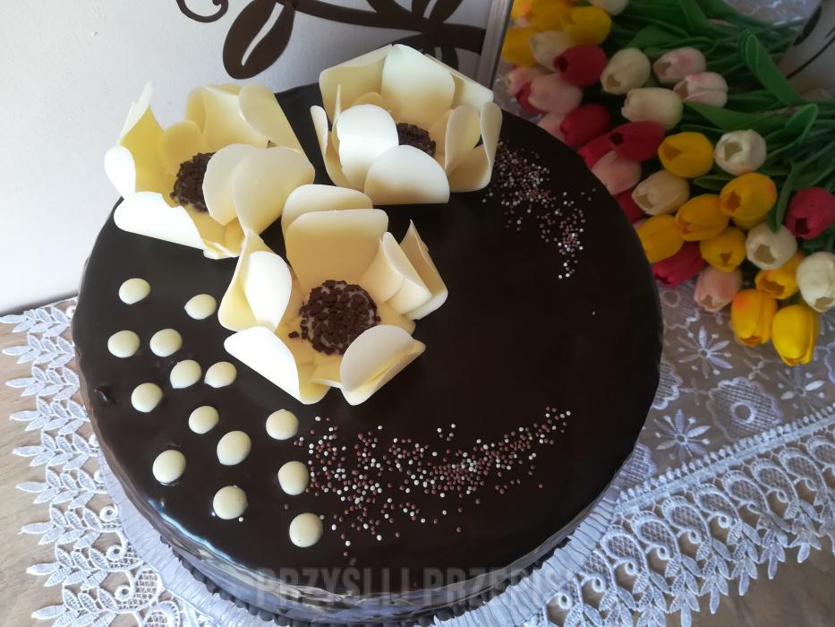 Tort Urodzinowo Imieninowy Z Ozdoba Czekoladowa Przyslijprzepis Pl
