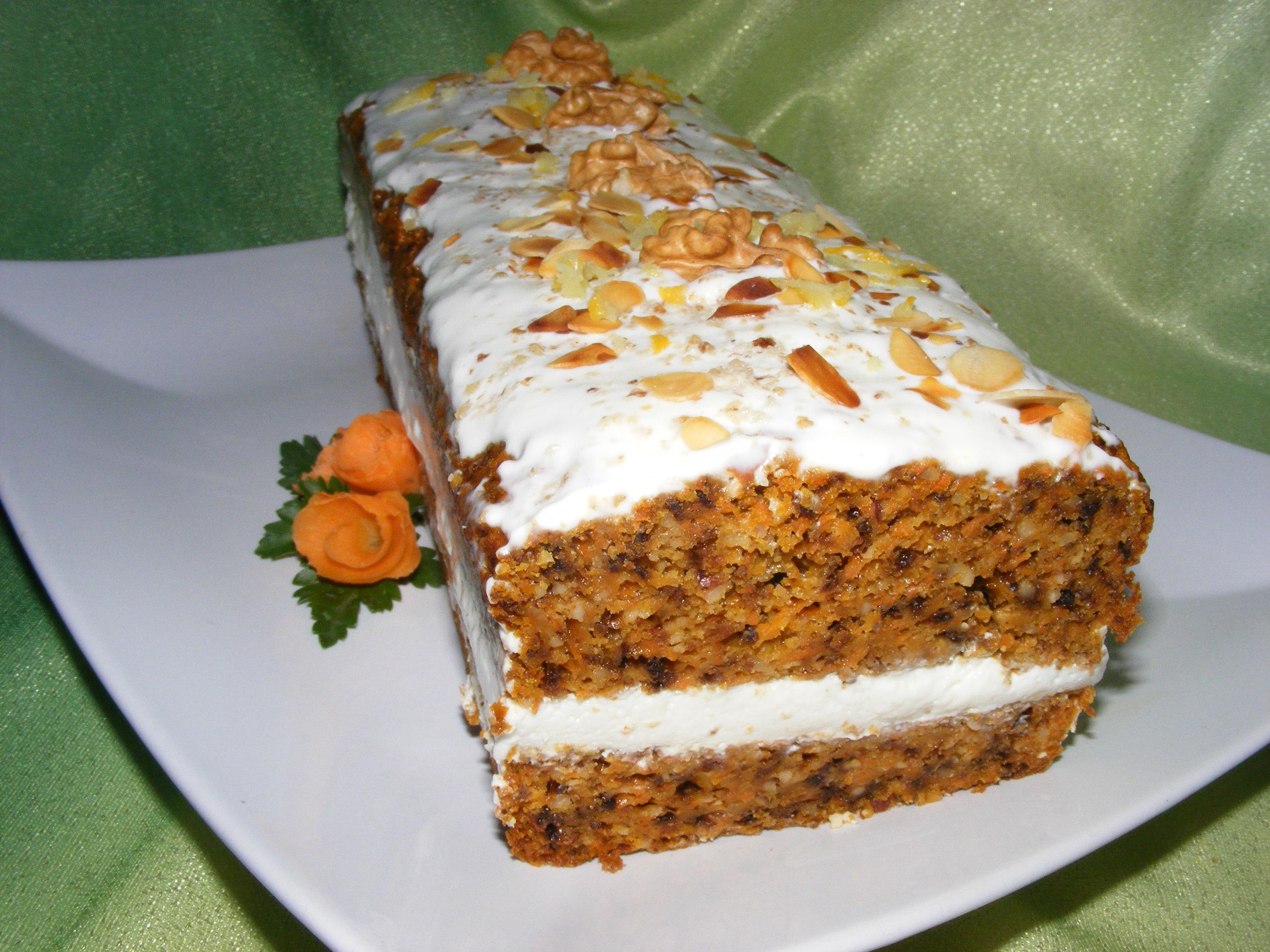 Ciasto Marchewkowe Z Orzechami I Zurawina Przekladane Kremem