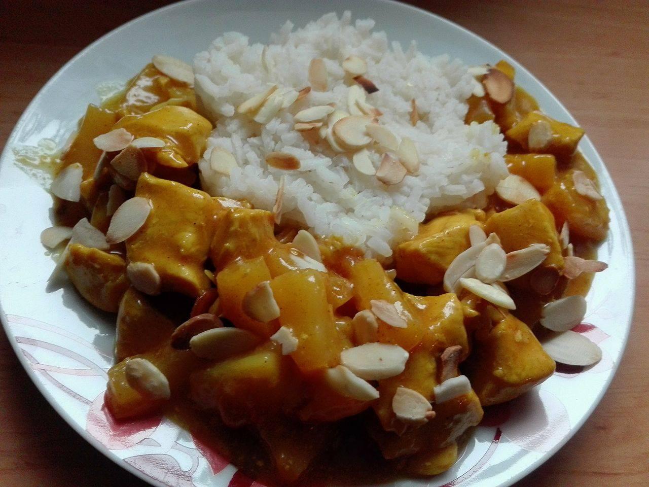 Kurczak Curry Z Gruszka I Migdalami Przyslijprzepis Pl