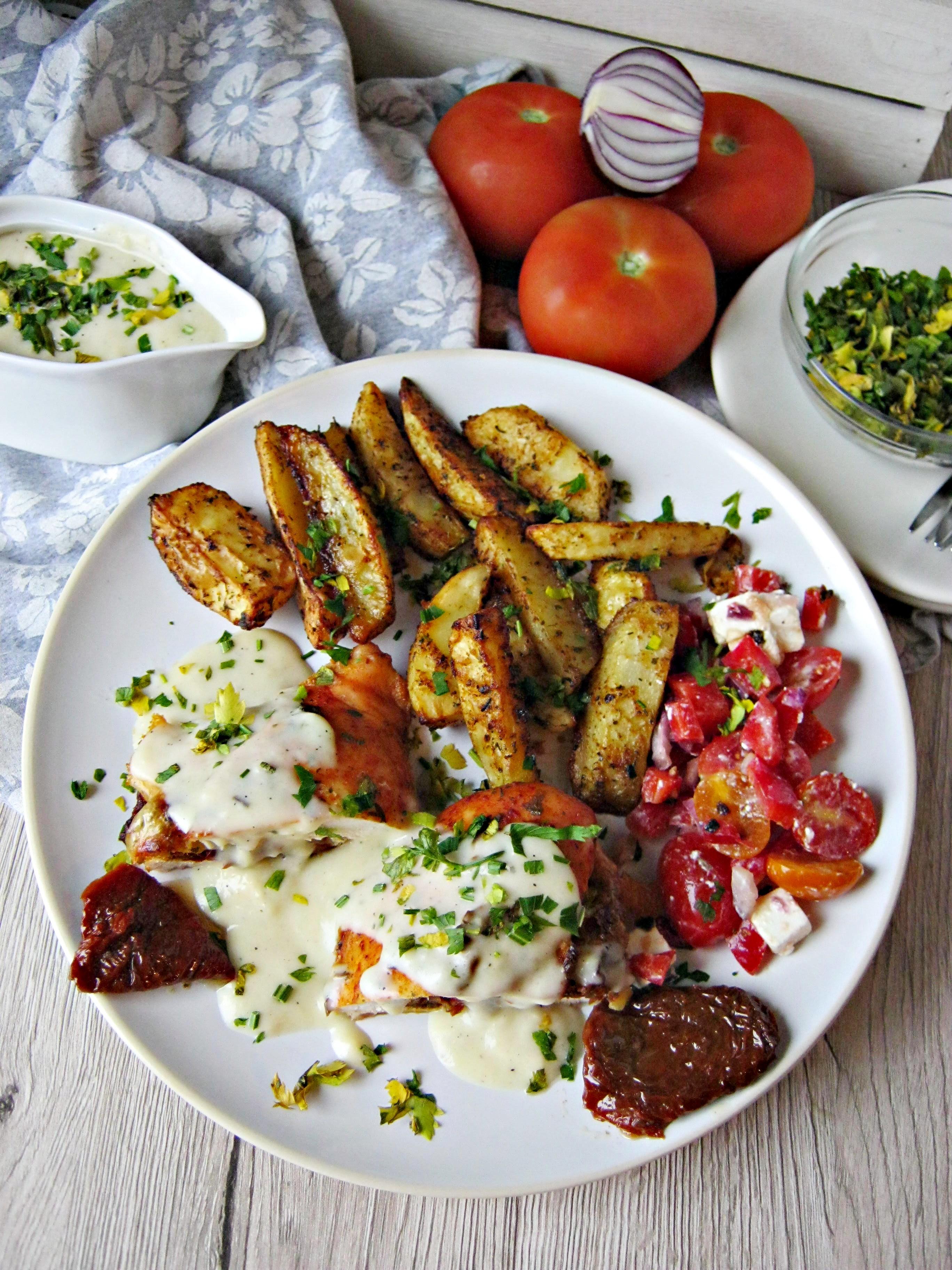 Filet Z Kurczaka Z Suszonymi Pomidorami W Sosie Maslano Smietankowym
