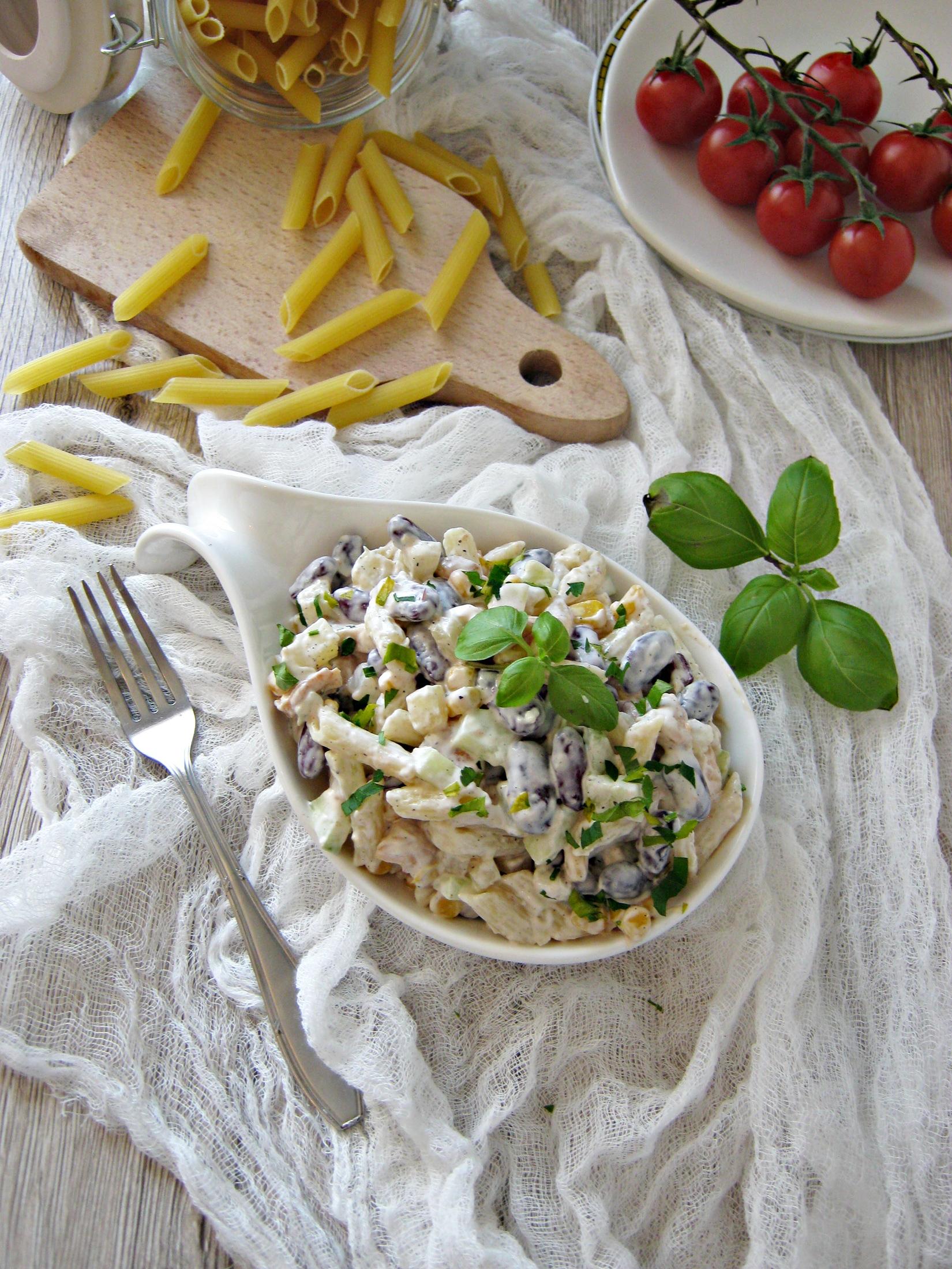 Salatka Z Czerwona Fasola Ananasem I Kurczakiem Przyslijprzepis Pl